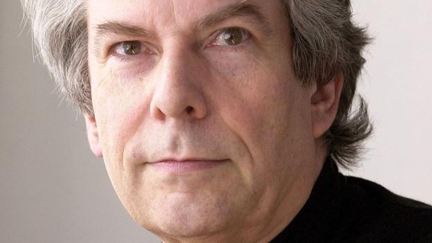 Porträt des Dirigenten Hartmut Haenchen.