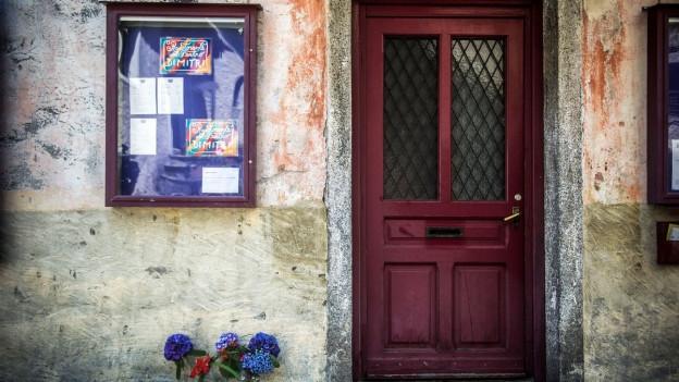 Eingangstüre zum Theater Dimitri in Verscio