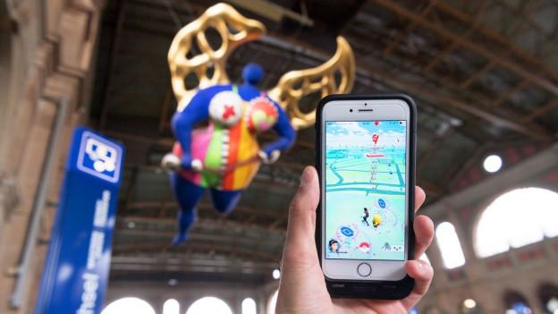 «Pokémon GO-Spieler» am Zürcher Hauptbahnhof.