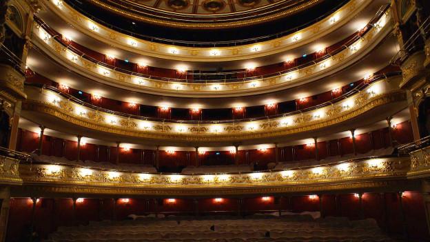 Unruhe im Opernhaus Breslau.