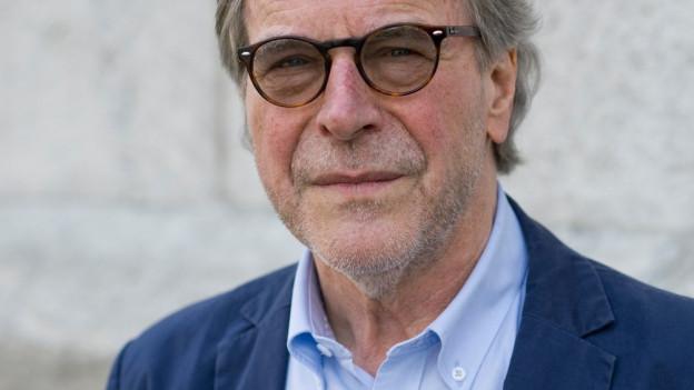 Der Schweizer Autor Klaus Merz, aufgenommen an den 36. Solothurner Literaturtagen.
