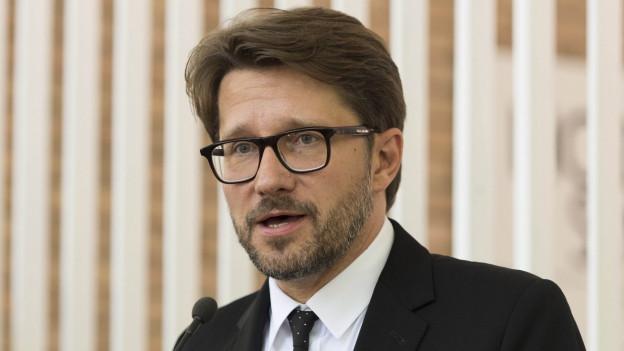 Andrew Holland gibt sein Amt als Direktor von Pro Helvetia per Ende April 2017 ab.