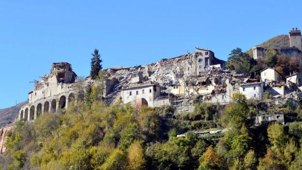 Vom Erdbeben zerstörte Gemeinde in Mittelitalien.