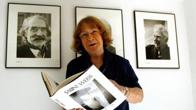 Die Fotografin Sabine Weiss hat sich auf Porträts spezialisiert.