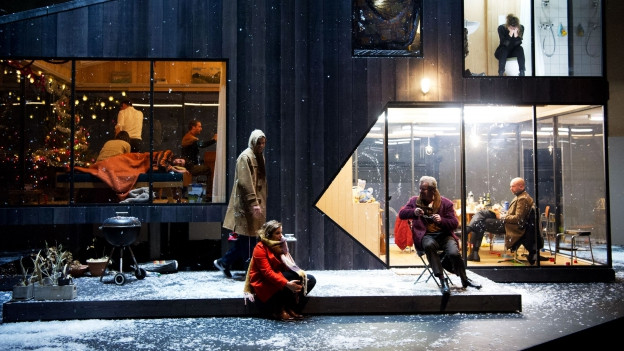 Drei Schwestern am Theater Basel.