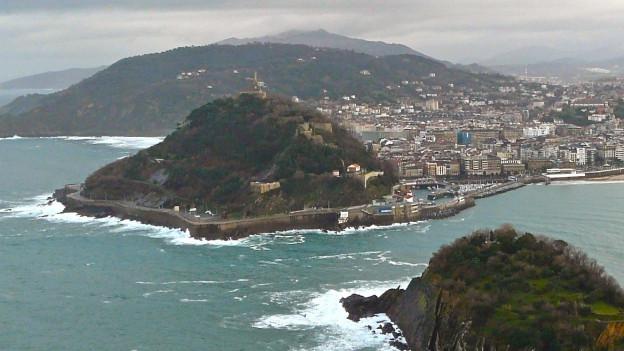 Ein Bild der spanischen Stadt San Sebastian.