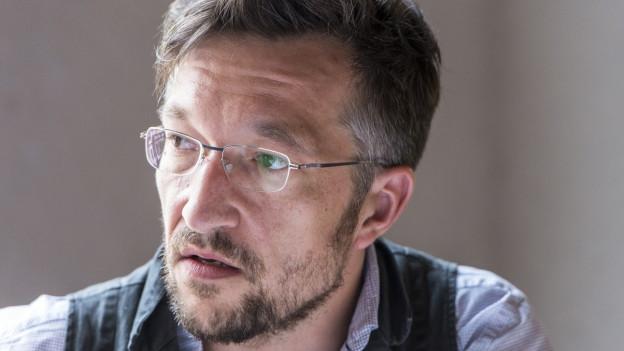 Ein Porträt von Lukas Bärfuss.