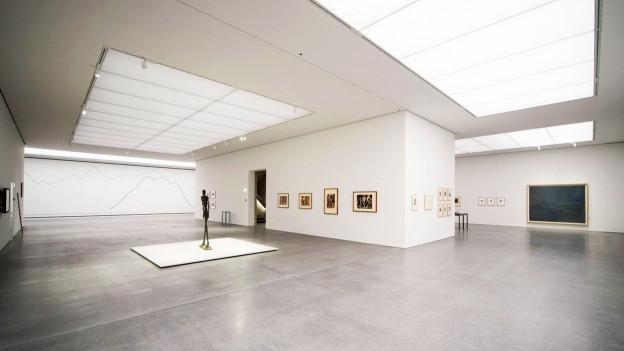 Weisser Ausstellungsraum im Kunstmuseum Chur.