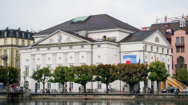 Gebäude des Theater Luzern.