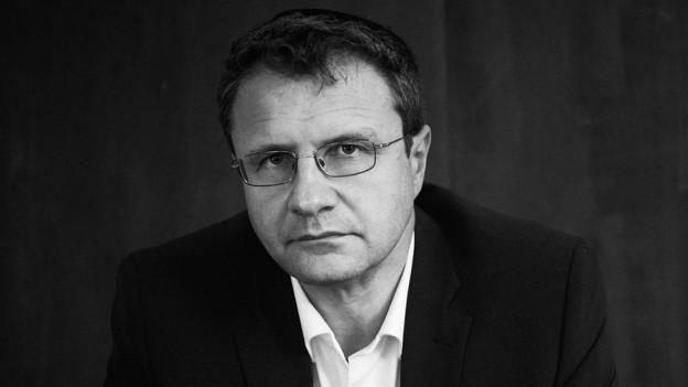 Schwarzweissfotographie des Autors und Wissenschaftler
