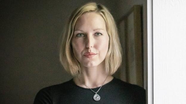 Porträt der jungen amerikanischen Autorin April Ayers Lawson