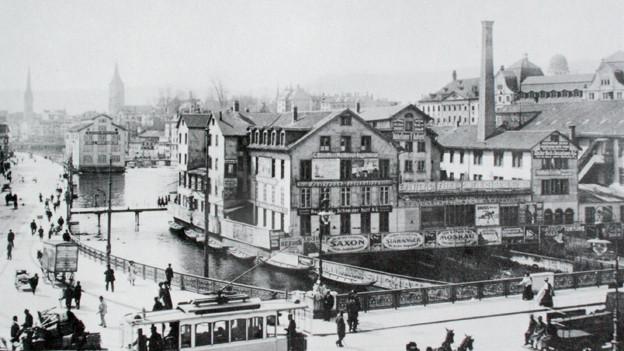 Das schwarz-weisse Foto von Zürich etwa 1914.
