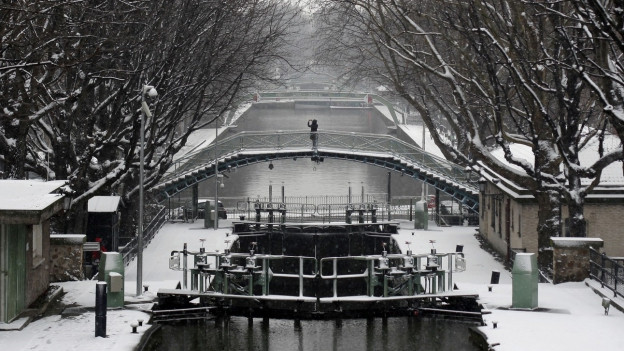 Eine Brücke am Canal Saint Martin in Paris.