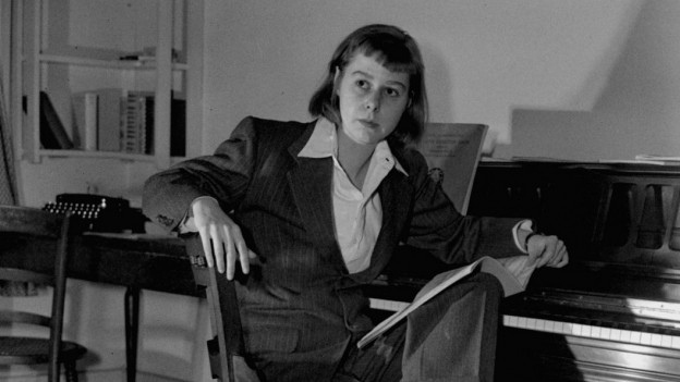 Carson McCullers in ihrem Arbeitszimmer