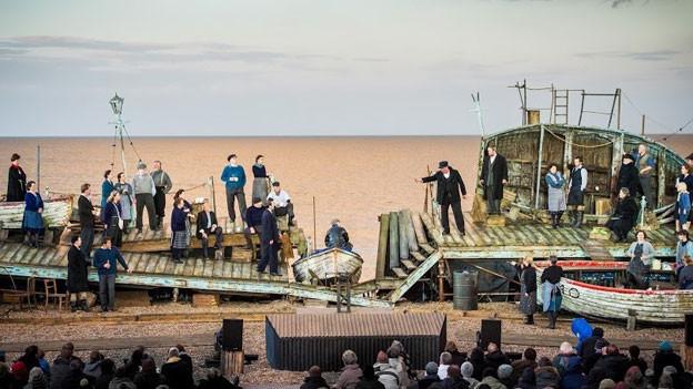 Durch die echte Kulisse ein Erlebnis sondergleichen: Aufführung von «Peter Grimes» am Strand von Aldeburgh.