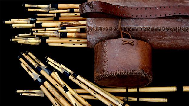 Launeddas in verschiedenen Stimmungen im Lederköcher