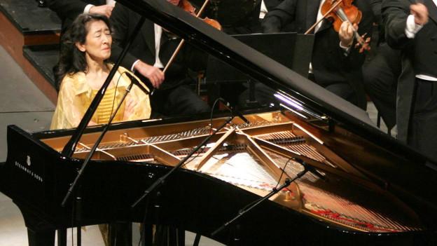 Mitsuko Uchida, Klavier