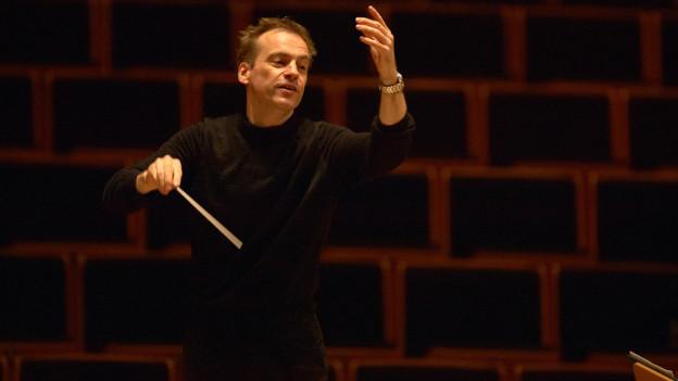 Dirigent Jonathan Nott.