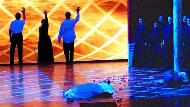 Szene aus der Oper «Iphigenie en Tauride» im Opernhaus Zürich (April 2001).