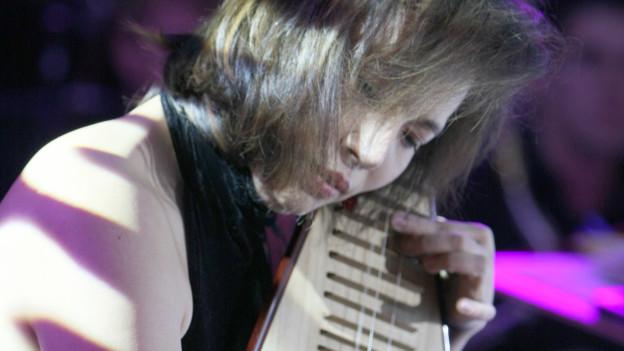 Die chinesische Pipa-Meisterin Yang Jing.