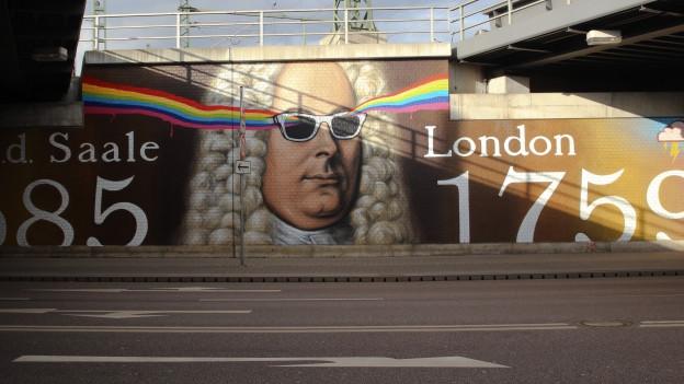 Georg Friedrich Händel als Street-Art: Mauer-Porträt des Komponisten inkl. mit Sonnenbrille.