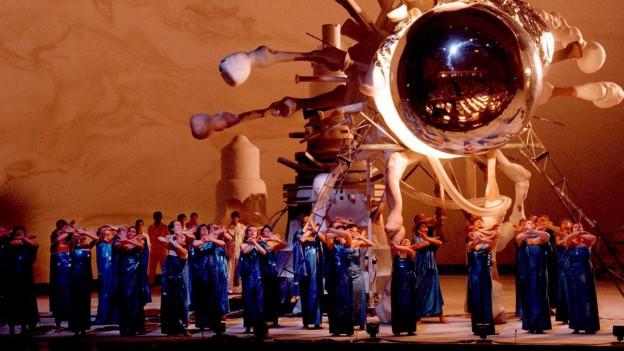 Das Musikleben bekam schon früh grosse Bedeutung in Salzburg. Hier ein Bild der Salzburger Festspiele.