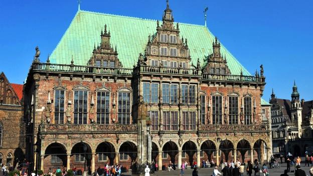 Das Rathaus in Bremen, das im Stil der Weserrenaissance gebaut ist.