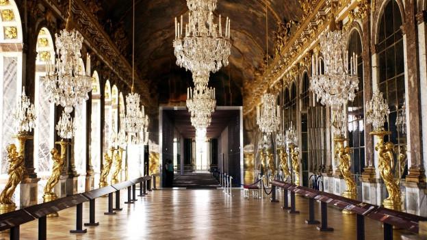Blick in den Spiegelsaal des Schloss Versailles