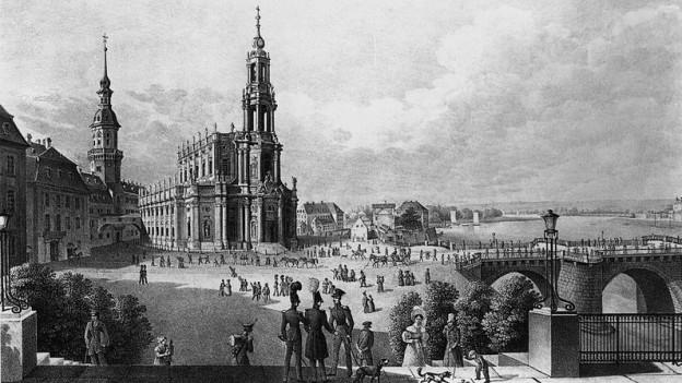 In der Dresdner Hofkirche (im Bild: 1840), unscheinbar in einer Ecke stand ein Notenschrank