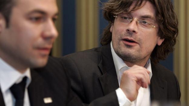 Tino Krattiger ist Architekt und Kulturschaffender.