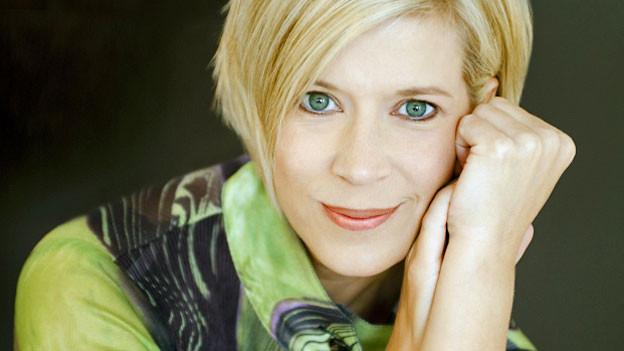 Sortiert gerne grosse Klangmassen: Die Dirigentin Karen Kamensek.