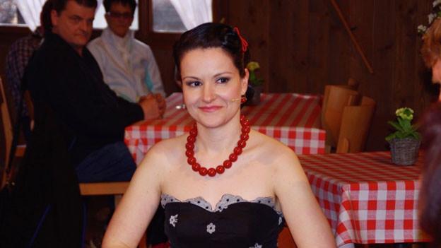 Fräulein Da Capo als Gast beim Samschtig-Jass.