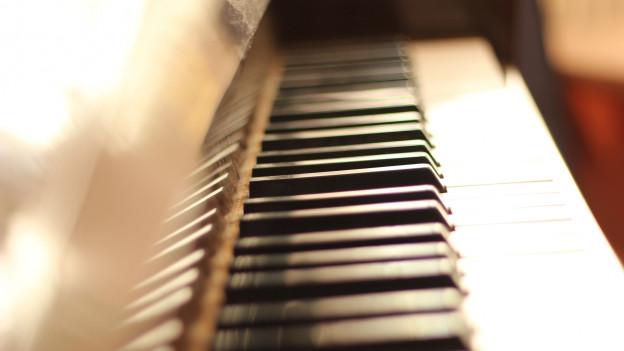 Klaviatur eines Pianos.