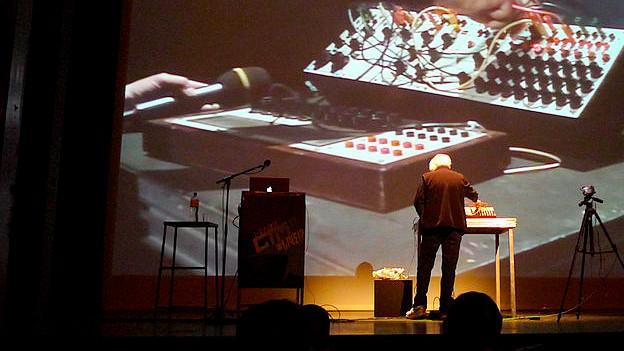 Der US-amerikanische Pionier der elektronischen Musik: Morton Subotnick.
