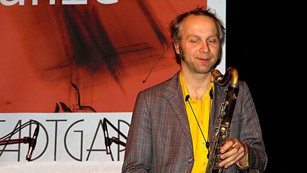 Rudi Mahall bei einem Auftritt im Stadtgarten Köln, Dezember 2006.