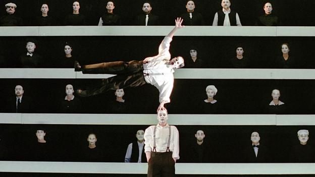 Ausschnit aus einer Oper von Dieter Schnebel.