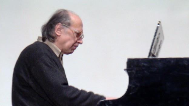 Der ukrainischen Komponist Valentin Silvestrov spricht über seinen Musik.