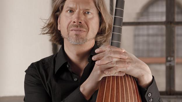 Der Sänger und Lautenspieler Joel Frederiksen
