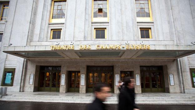 Das Théâtre des Champs-Elysées, 1911 bis 1913 errichtet, ist eines der bekanntesten Pariser Konzerthäuser.