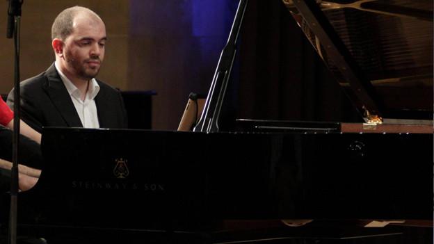 Porträt von Pianist Kirill Gerstein.
