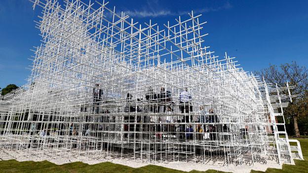 Der Serpentine Gallery Pavillon 2013, entworfen vom japanischen Architekten Sou Fujimoto.