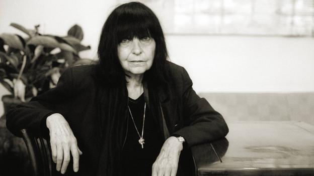 Porträtfoto von Friederike Mayröcker