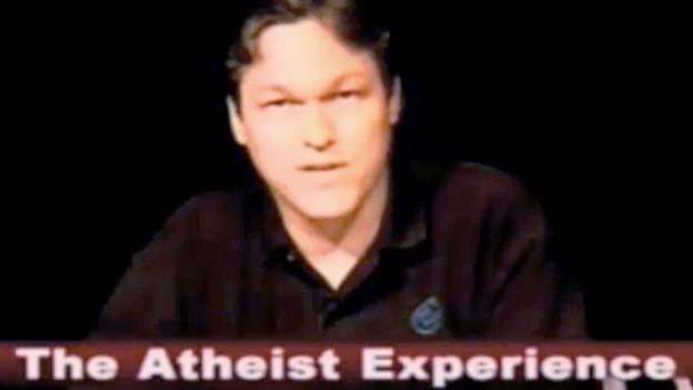 Jeff Dee, ein Co-Host von «The Atheist Experience» auf dem Bildschirm.
