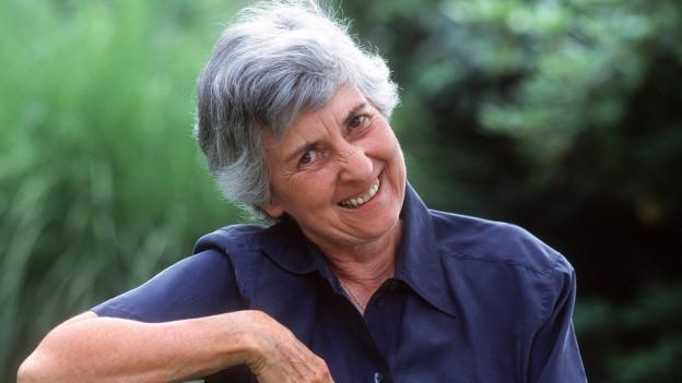Die Dirigentin Sylvia Caduff wird 80 Jahre alt.