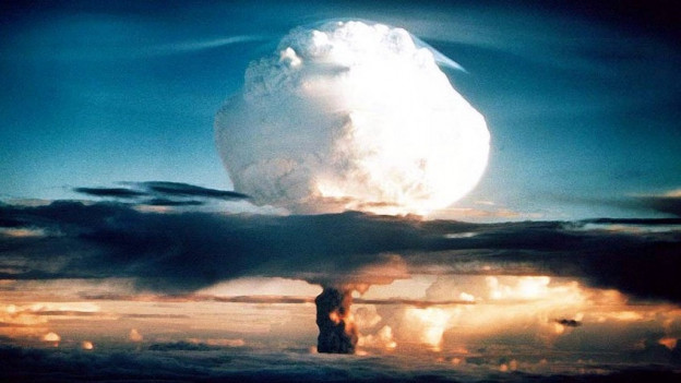 Die typische Pilzwolke einer Atombombe nach der Zündung