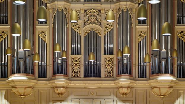Eine grosse Orgel
