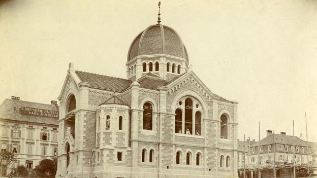 Fotografie der Synagoge in La Chaux-de-Fonds