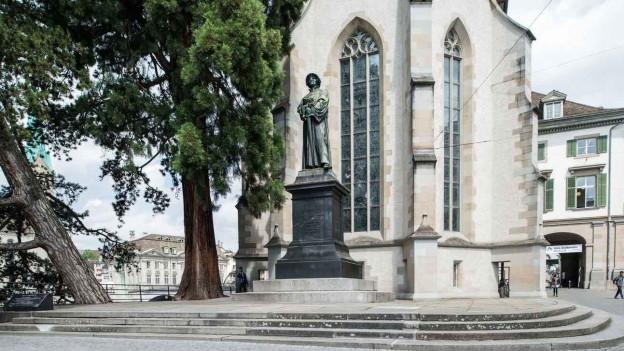 Die Zwingli-Statue in Zürich.