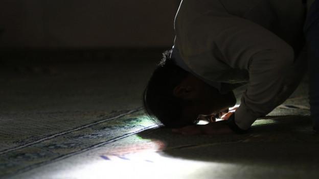 Youtube-Prediger oder Imam – Welchen Autoritäten folgen muslimische Jugendliche?