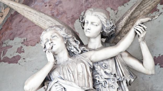 Engelstatuen auf einem Friedhof